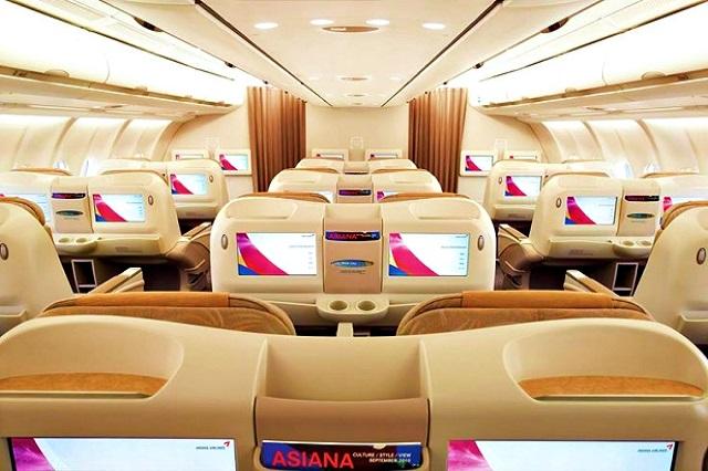 khoang hành khách của asiana airlines